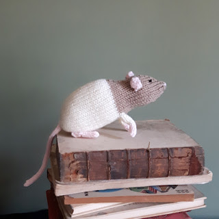Rat knitting pattern by Nicky Fijalkowska