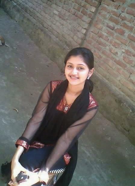 New Hot Pics Pakistani - Sari Info-8218