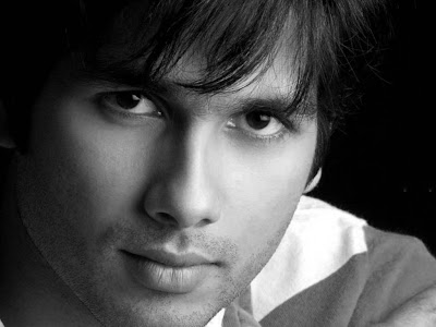 Shahid Kapoor Normal Resolution HD Wallpaper 12