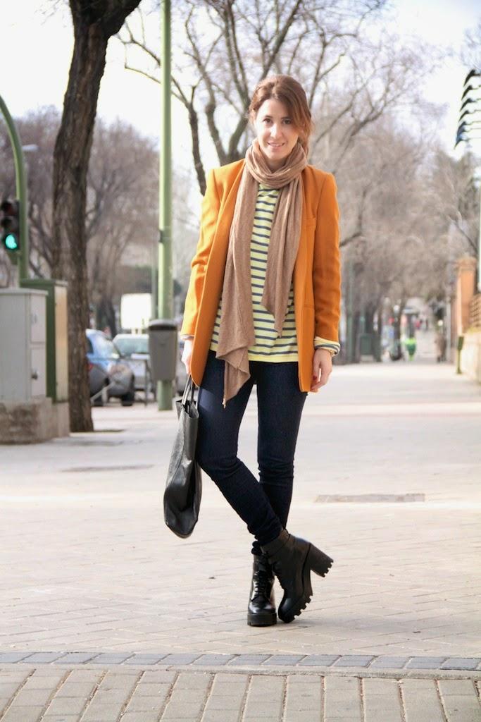mustard blazer-50298-descalzaporelparque