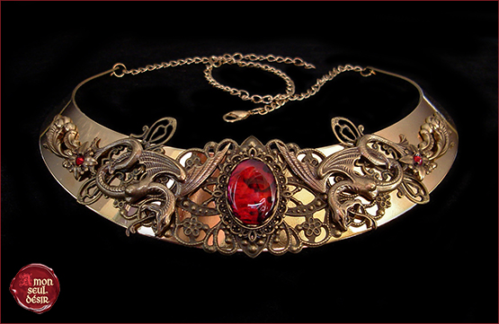 collier médiéval renaissance bronze torque serpent mythique snakes necklace mythical medusa gorgona snake woman jewelry medieval torc red abalone