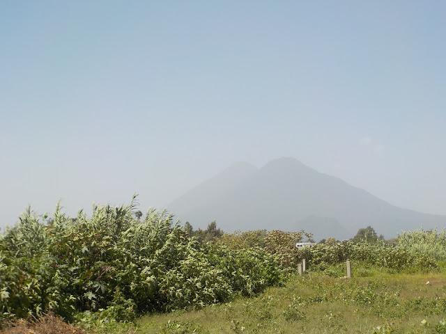 Lake Atitlan Guatemala volcanoes dust Sahara polvo