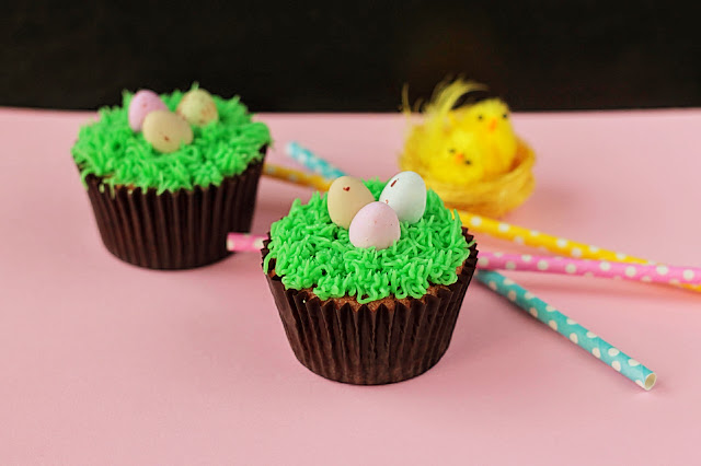 Easter Cupcakes, the perfect gift or centrepiece for your Easter table. Easier than you think to make too! GoodFoodShared.Blogspot.com