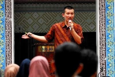 Ustaz Felix Siauw ; Ada Fobia Terhadap Lafaz Tauhid