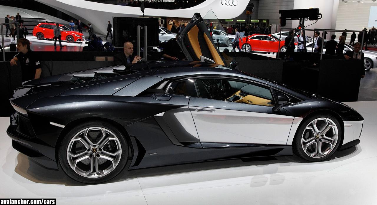 Luxury Lamborghini Cars: Lamborghini Aventador Black And White