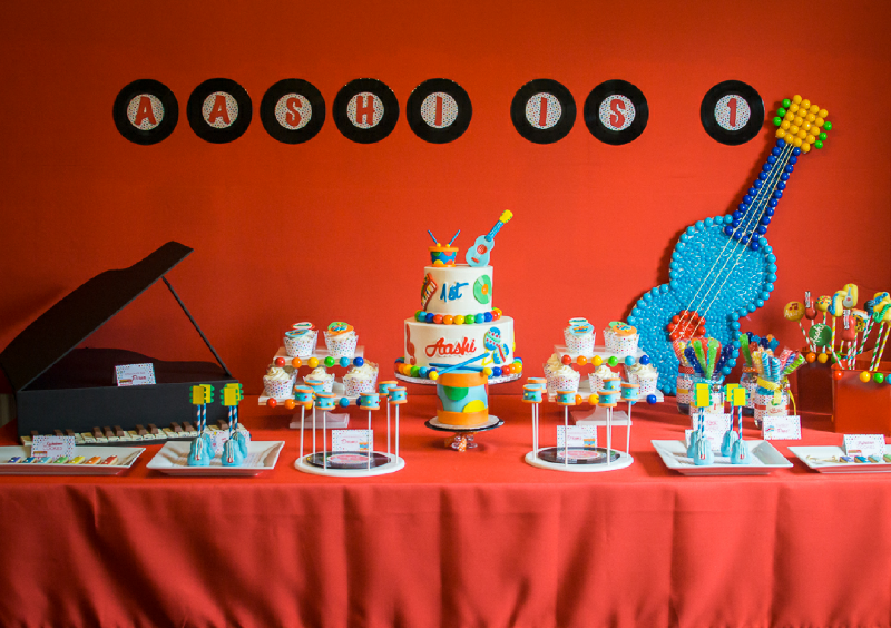 Baby Jam: A Music Inspired 1st Birthday Party Ideas - via BirdsParty.com