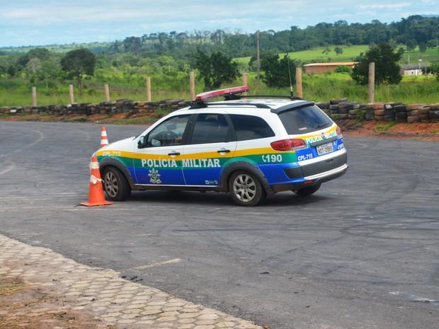 Policiais participam de treinamento de direção veicular em Cacoal