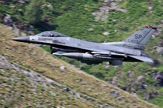 Jet Tempur F-16 AU AS