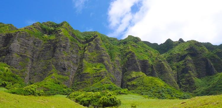 A Day at Kualoa Ranch 1 // Almost Chic