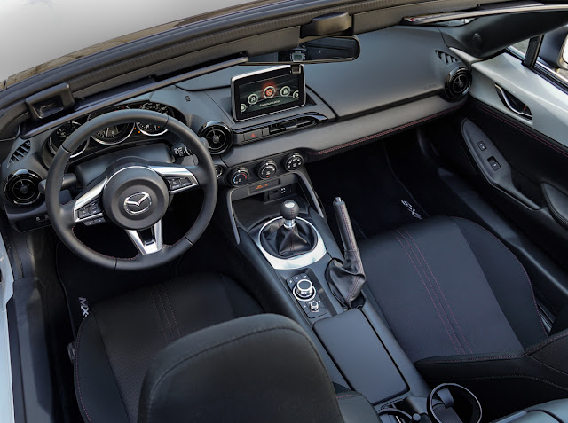 2016 Mazda MX-5 Miata Club interior