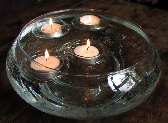a bad witch 39 s blog candle magic tricks to make tea lights float in water. Black Bedroom Furniture Sets. Home Design Ideas