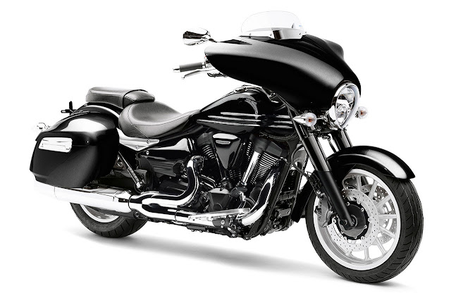 Yamaha styles a bagger - XV1900A Midnight Star CFD