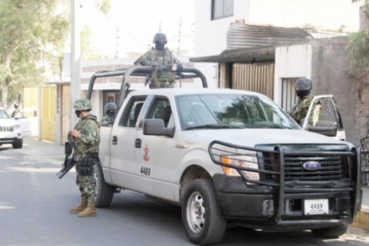Aparecen 2 cuerpos semienterrados en Colombia, Nuevo León habían desaparecido en Nuevo Laredo