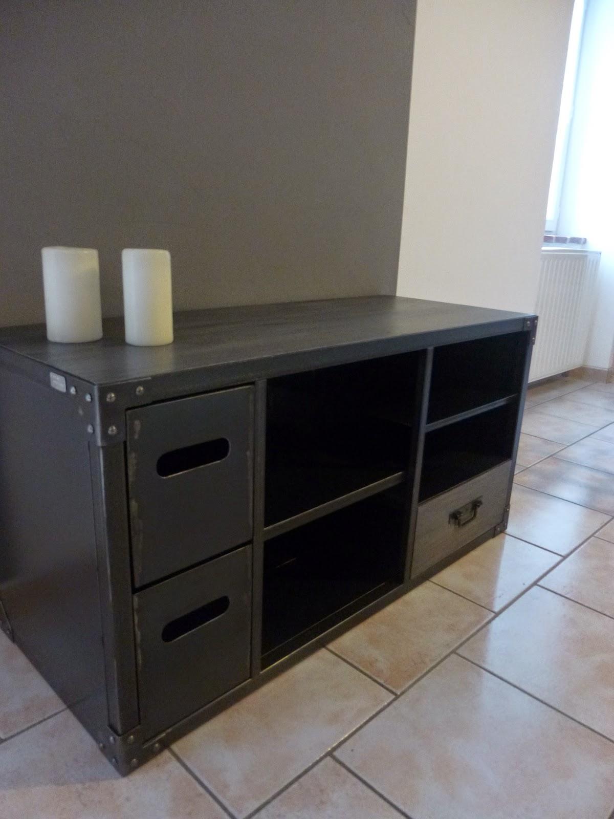 c factory creation idees de meubles tv. Black Bedroom Furniture Sets. Home Design Ideas