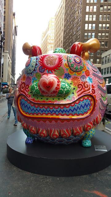 Карнавал кольорових звірів на Бродвеї, Нью-Йорк(Fortunate Round Dragon. Hung Yi. Fancy Animal Carnival, NYC)