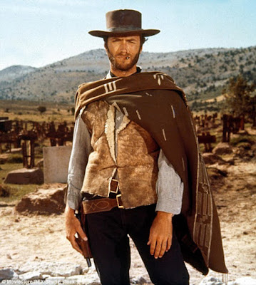 Клинт Иствуд в пончо