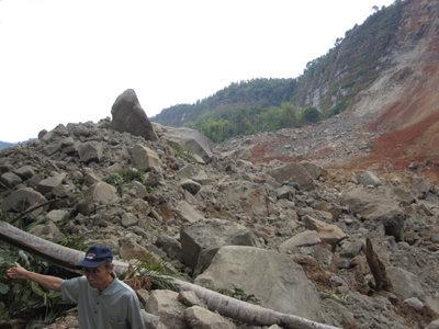 KoPast: Foto Akibat Gempa Bumi (humor)