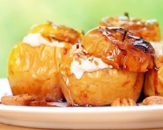 десерт запеченные яблоки со сливками