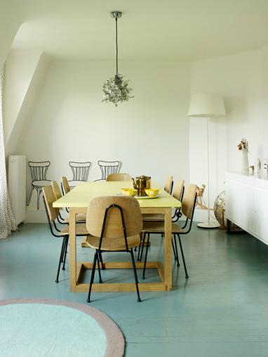 suelo madera pintado turquesa