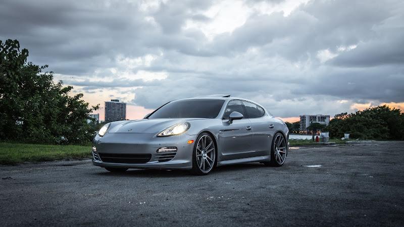 Porsche Panamera HD front left side