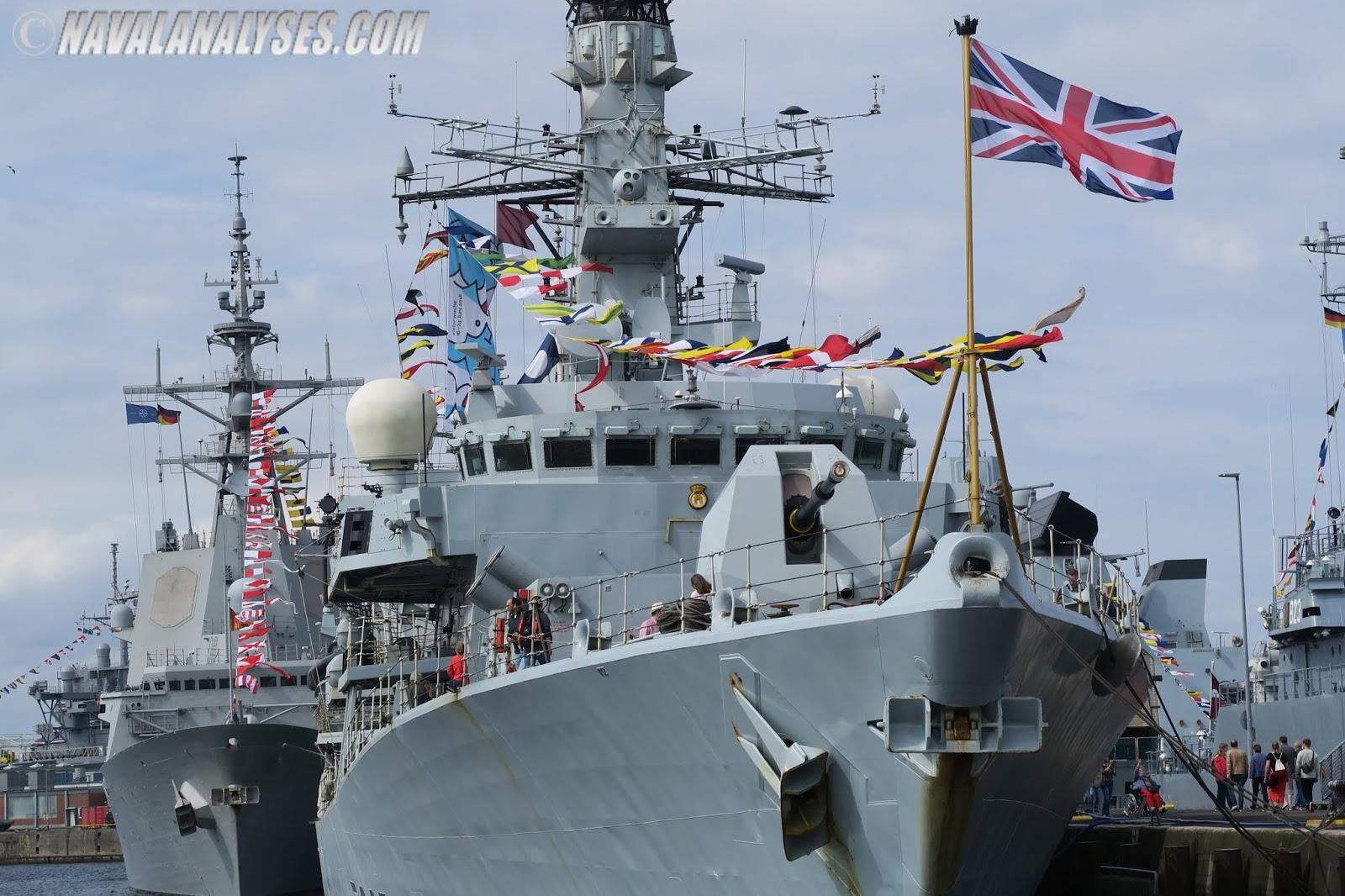 Minelaying Royal Navy (1976)
