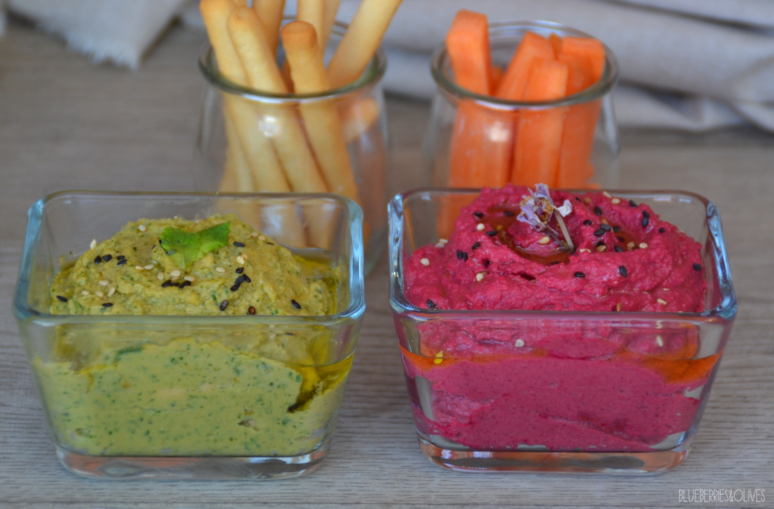 COLOURFUL SPINACH AND BEETROOT HUMMUS