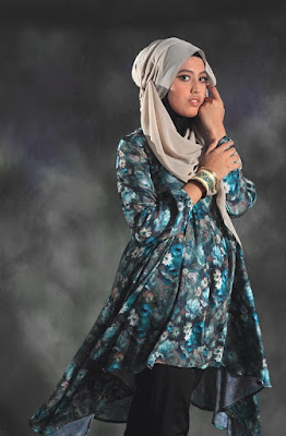 Dzargon Foto model Hijab indoor
