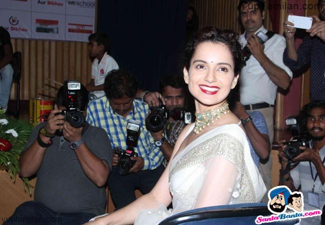 Kangana Ranaut Beautiful Saree Photos-Hot Pics wearing Saree
