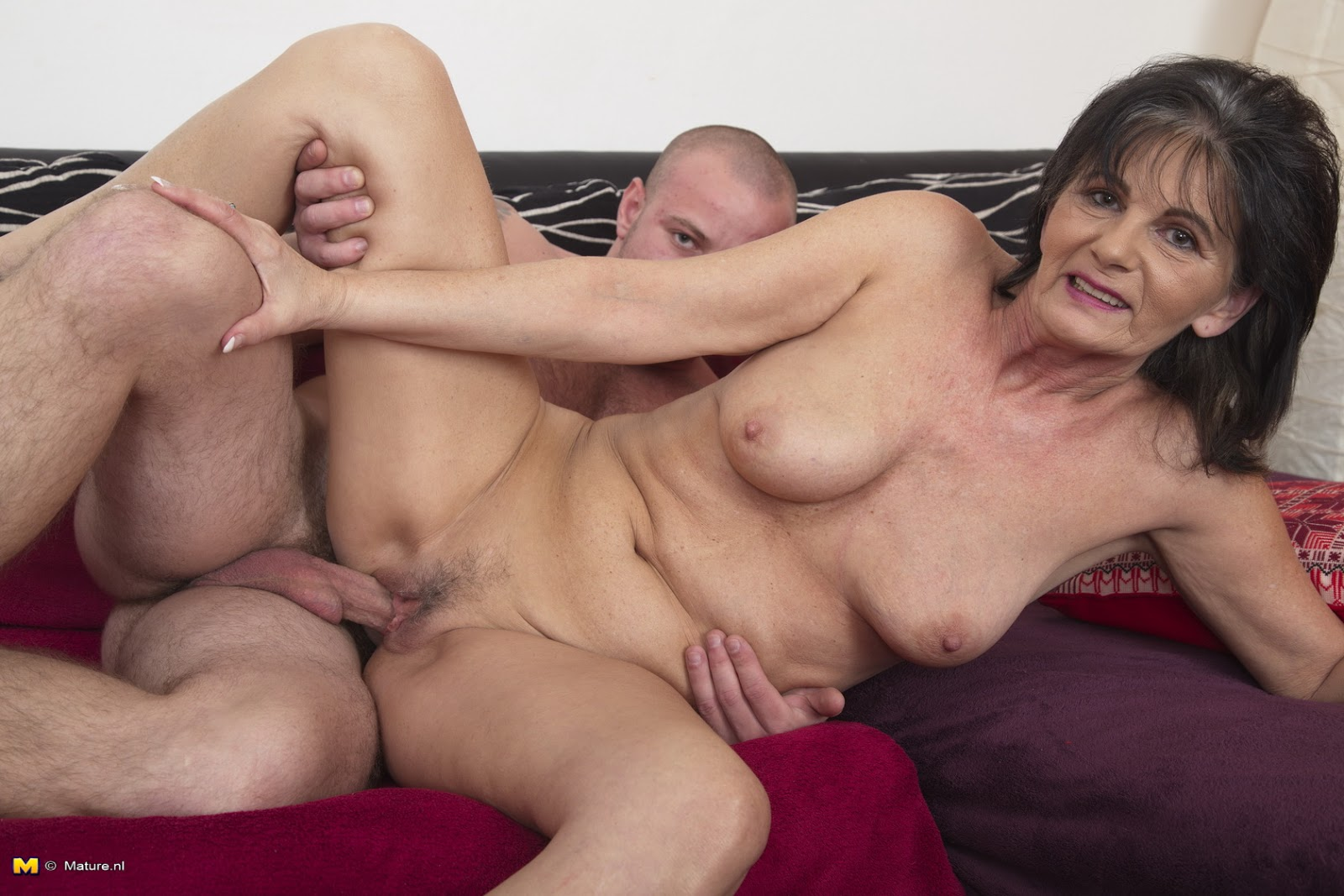 mature-woman-sex-boy