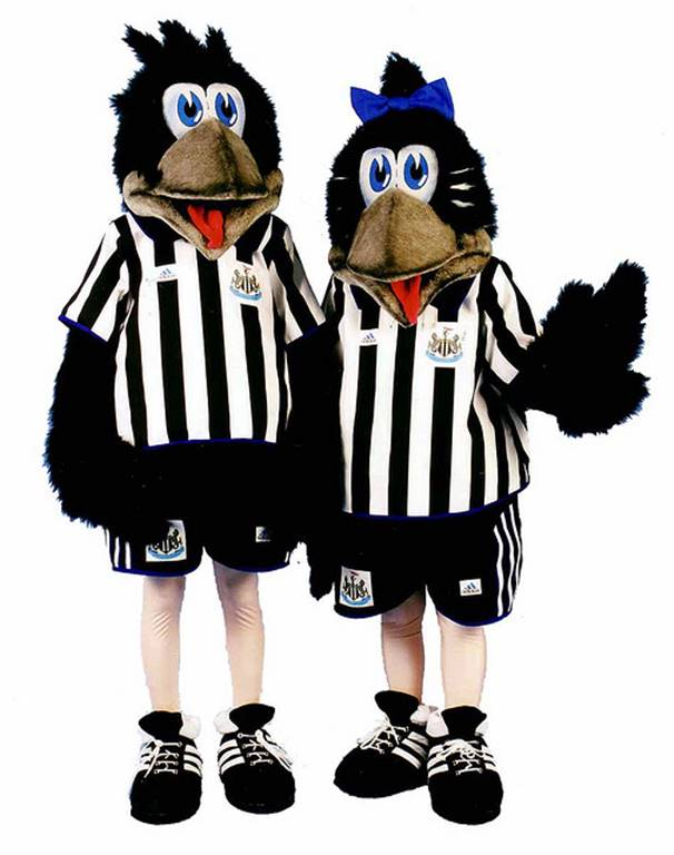 Newcastle-mascots-Maggie-and-Monty-mapie