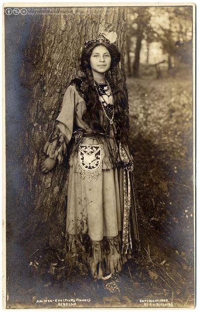 foto wanita perempuan cantik jaman dahulu