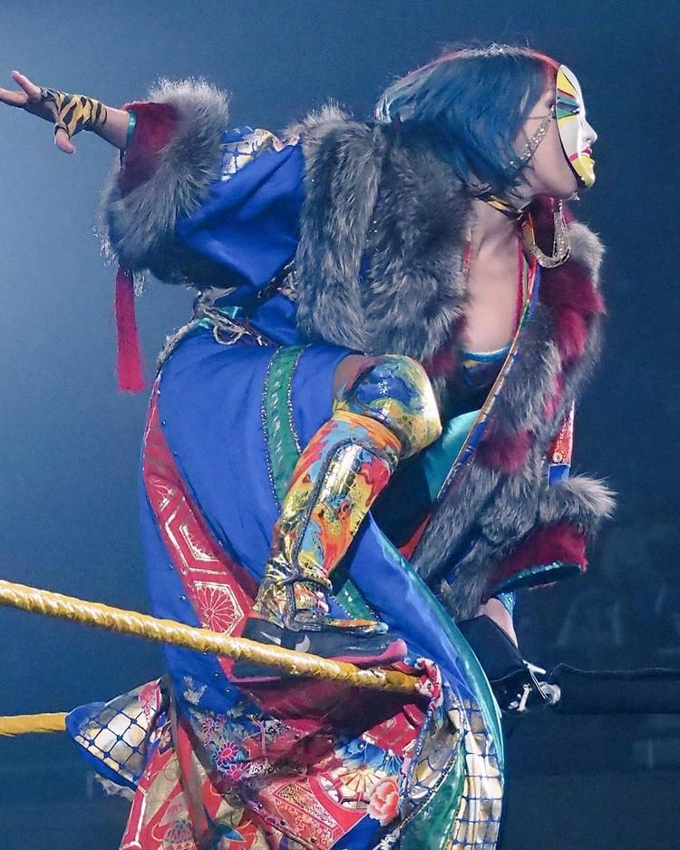 Asuka 明日華 writes the story to the WWE