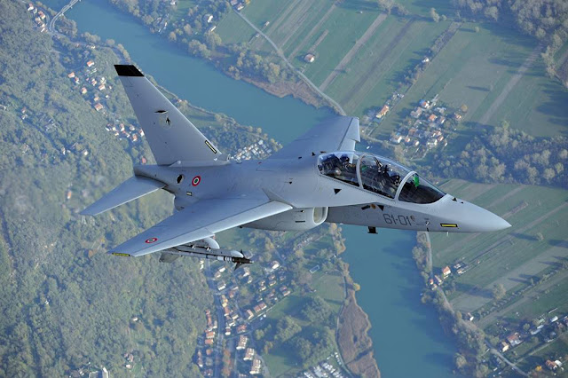 LEONARDO HIGHLIGHTS ITS M-346 TRAINER JET AT KUWAIT AVIATION SHOW
