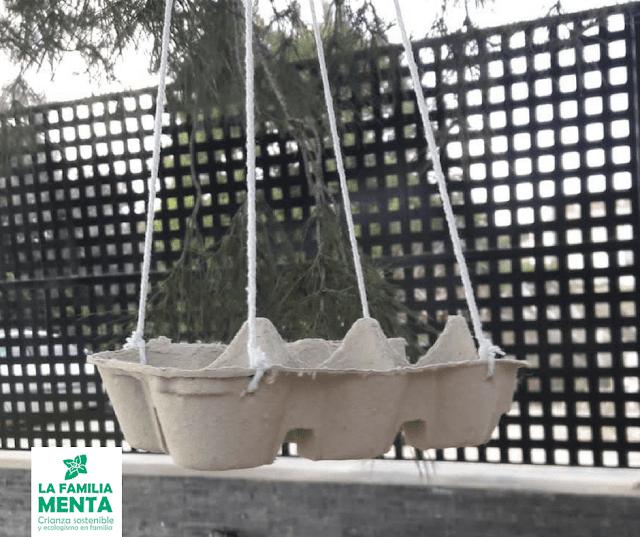 Actividad para peques: comederos de pájaros con huevera
