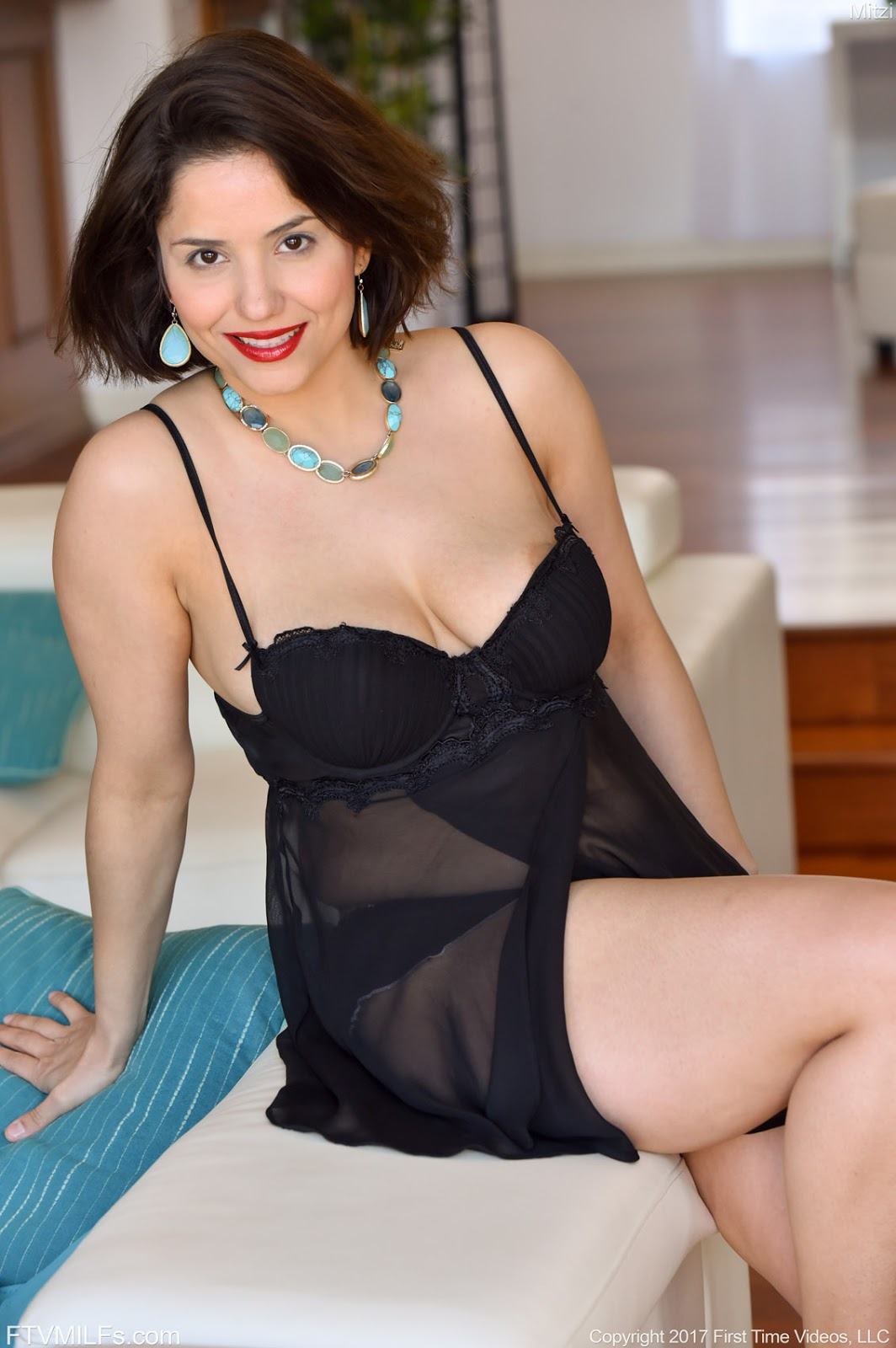 Mature Lovers Mature Mitsy In Black Lingerie-5542