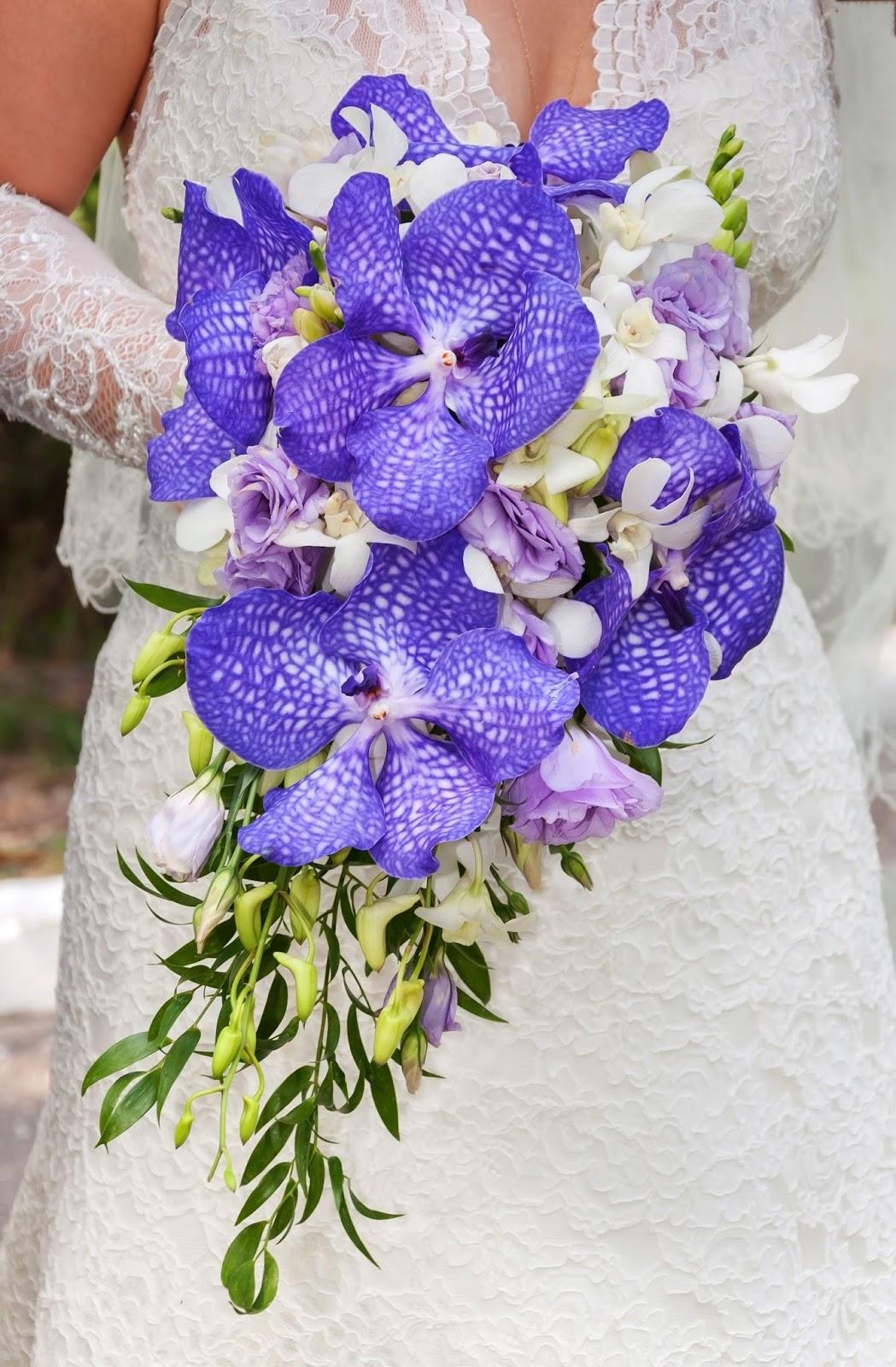 Rustic 4 Weddings: Bride Wedding Day Bouquet Pictures ...