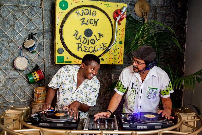 Blog do Reginaldo Cazumbá: Rádio Zion e Radiola Reggae