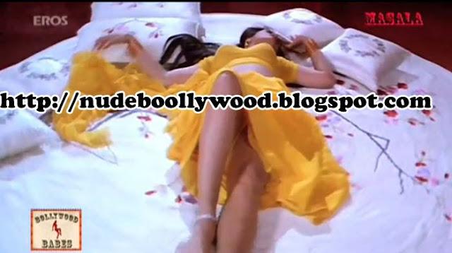 Shilpa Shirodkar Hot Scene Photo Still  Nude Bollywood-4439
