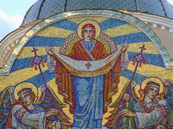 Моршин. Церковь Покрова Пресвятой Богородицы. 1990 г. УГКЦ