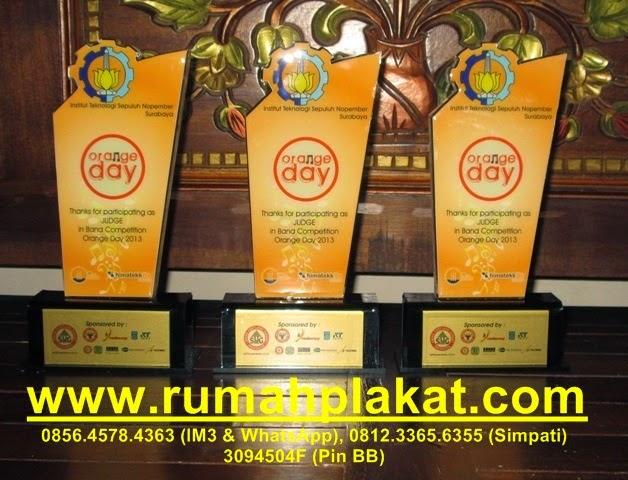Souvenir Plakat Akrilik, Bahan Plakat Akrilik, Teknik Plakat Akrilik, 0812.3365.6355 (Simpati)