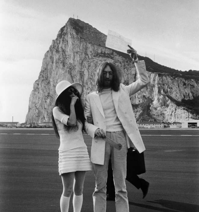 Resultado de imagen para 1969 John Lennon se casa con Yoko Ono