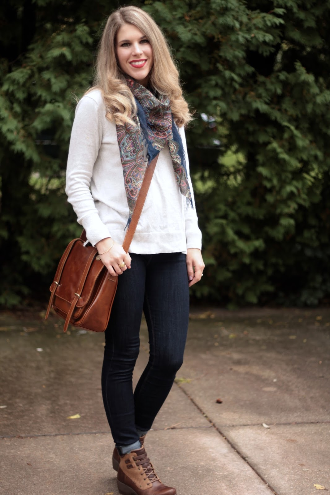 dark skinny jeans, ivory sweater, navy floral scarf, cognac crossbody bag, 4Eursole Concerto bootie review