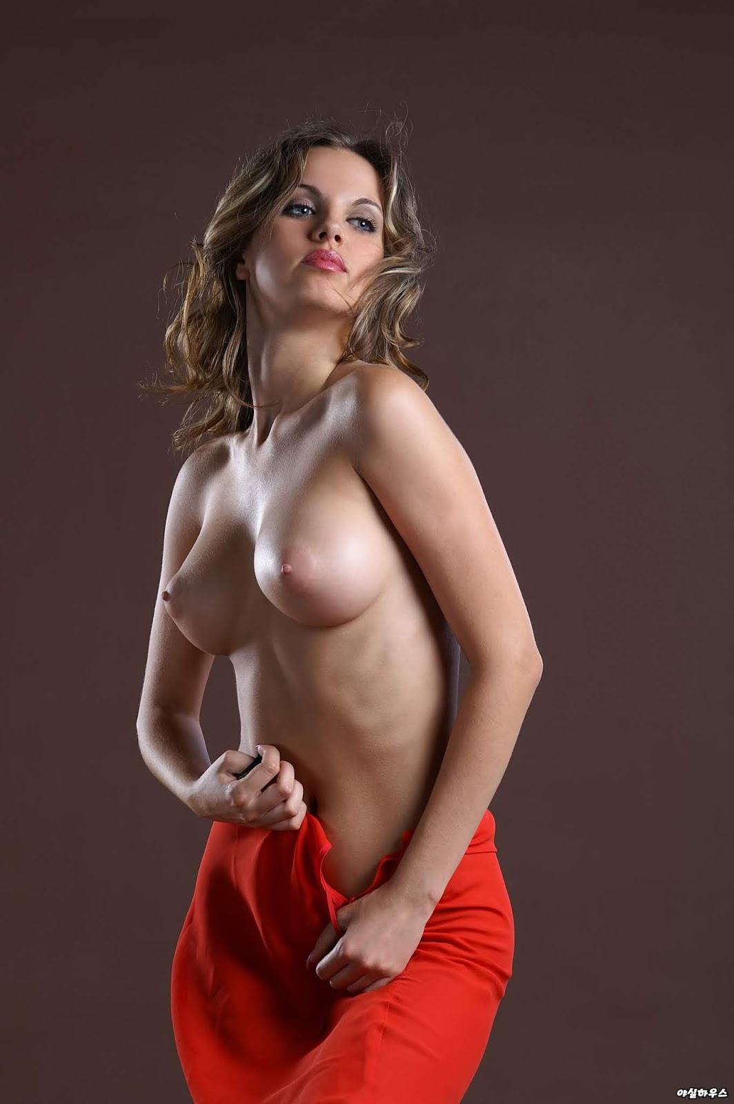 elena-esamboi-erotika-porno-skayp-usipil-i-trahnul