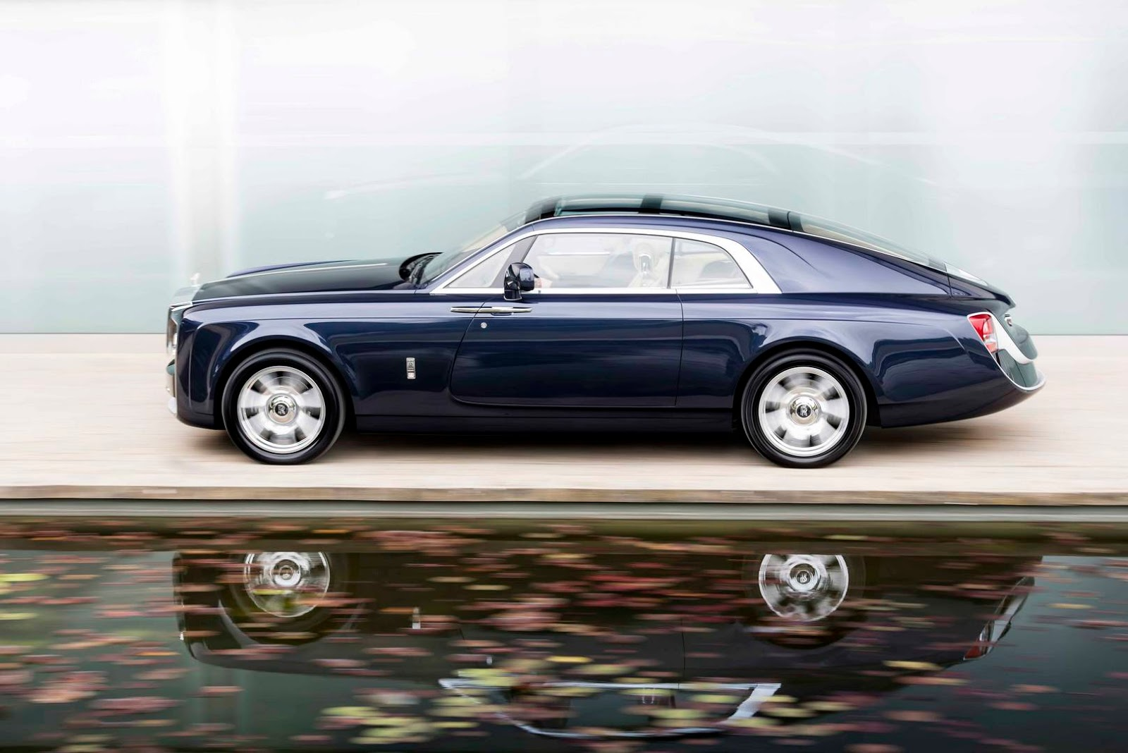 13 million rolls royce sweptail may be most expensive new car ever carscoops. Black Bedroom Furniture Sets. Home Design Ideas