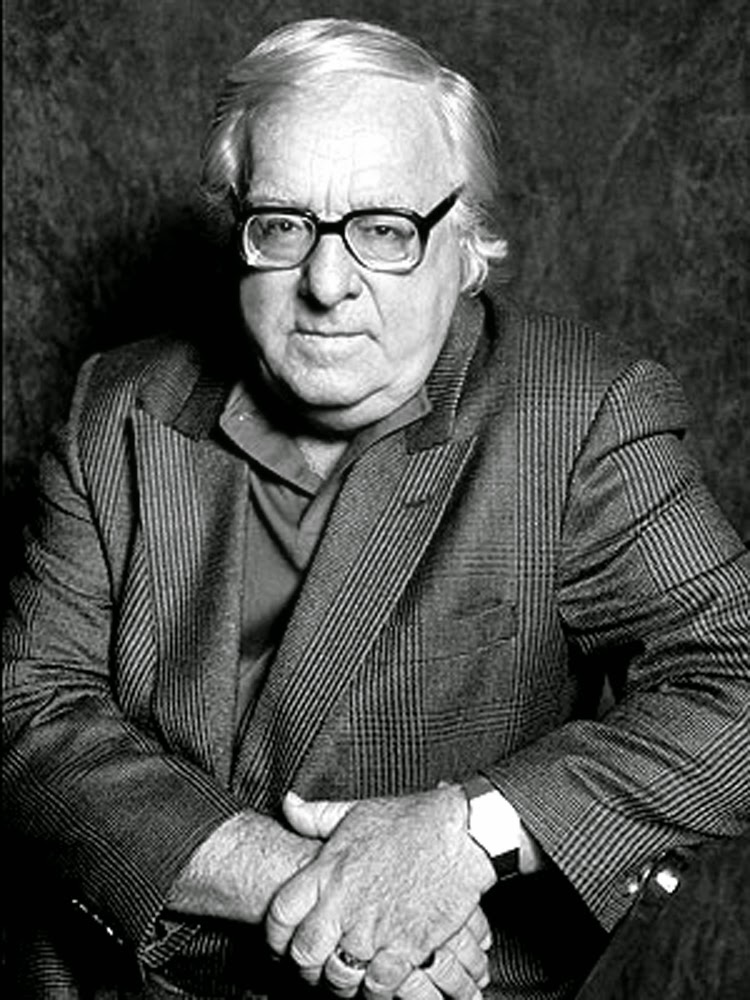 Ray Bradbury, A Scent of Sarsaparilla, Relatos de misterio, Tales of mystery, Relatos de terror, Horror stories, Short stories, Science fiction stories, Anthology of horror, Antología de terror, Anthology of mystery, Antología de misterio, Scary stories, Scary Tales