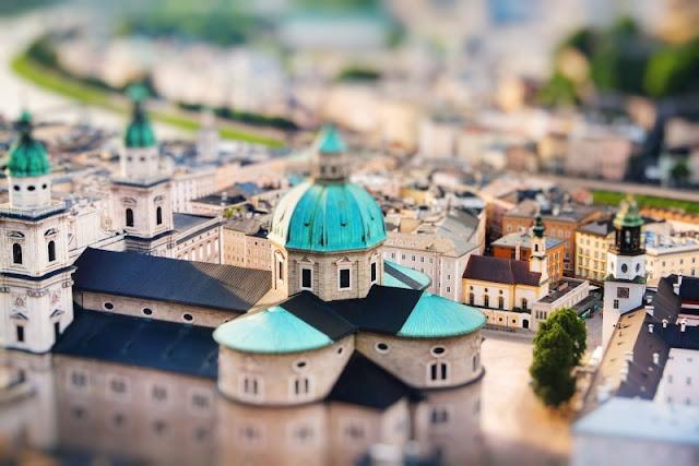 Thành phố Salzburg, Áo nổi bật với mái nhà thờ màu xanh