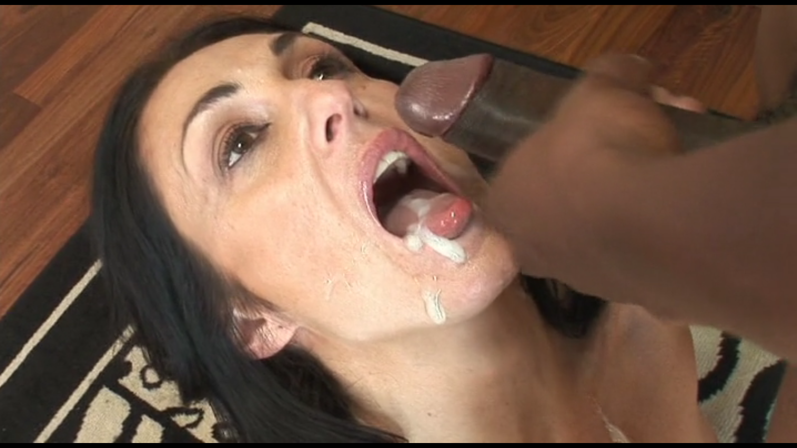 Milf cum swallowing