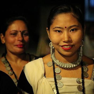 Chica tharu en Chitwan