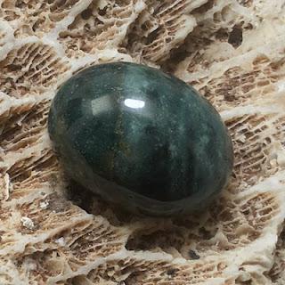 Batu Mustika Khodam Macan Hitam