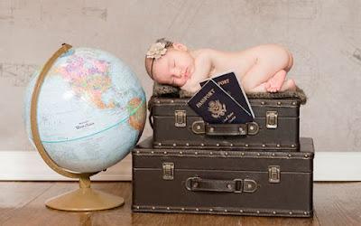 Idee sedinta foto nou nascut fata cu tema calatorii